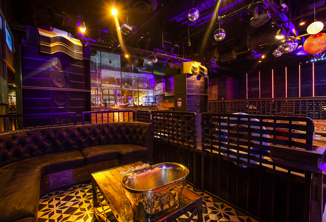View_of_removable_vip_platforms_next_to_dj_booth